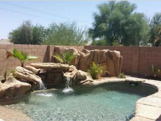Shop and Sports, pool, sleeps 10+, Peoria