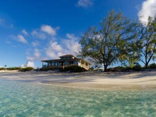 A Private Island All Your Own, Little Majors Spot, Staniel Cay