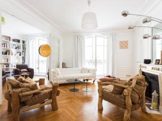 onefinestay - Rue Pétrarque private home, Paris