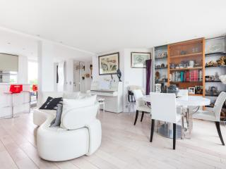 onefinestay - Rue Ribéra private home, Paris