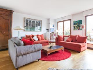 Rue Saint-Maur Excellent Paris Apartment