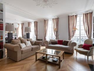onefinestay - Rue Vaneau private home, Parijs