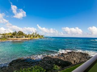 Kuhio Shores 207 Spectacular oceanfront 1bd with awesome ocean views. Watch the sea turtles from your lanai. Free car with stays 7 nts or more*, Poipu
