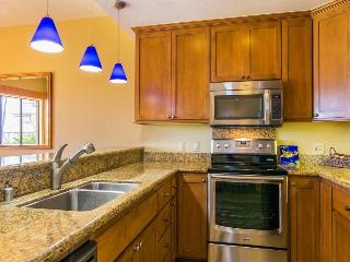 Poipu Sands 214 Lovely 2bd/2bth with 2 king beds. FREE mid-size car.