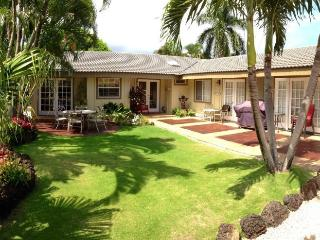 Hale Huna-4bd/3bth house with lovely interiors, tropically landscaped yard, BBQ. Short 10 min walk to beaches., Koloa