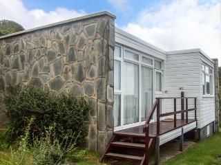 SEA HAVEN coastal, open plan, pet-friendly, in Haverfordwest Ref 926863