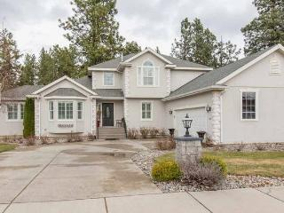 5BED/3Bath w/Forest Views/Mins to Downtown, Spokane