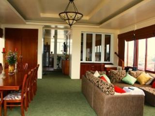 Idyllic Suite in Hanoi!