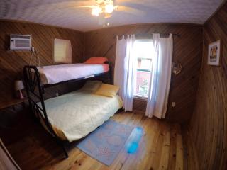 sleeps 3, twin bunk with full lower bed