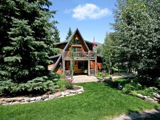 Sundance Chic Chalet  - Classic Four Bedroom A-Frame Ski Chalet that Accommodate