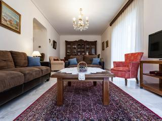 Homely 2Bdr Apt 350m from the beach, Paleo Faliro