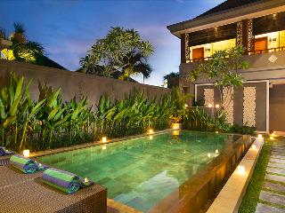 M & D Guest House By Bali Villas Rus -EAT STREET VILLA IN CENTRAL SEMINYAK, Kuta