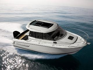 6,5 m motor boat Jeanneau Merry Fisher 645