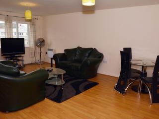 NICE 1 BEDROOM FLAT WITH WI FI,SLEEPS 4