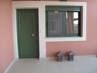 Luxury 1bed apt with views over Lefkas, Lefkada Town