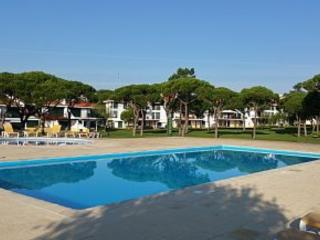 Luxury 2 bed apartment with super-fast  WiFi, Vilamoura