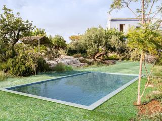 Stylish Pool Villa near the beach of Pozallo, Módica
