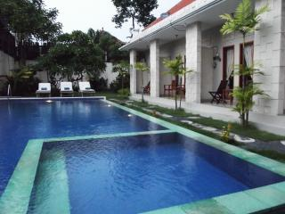Sharing Rooms Villa at Legian Living House, Kuta