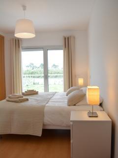 slaapkamer 2 met twee éénpersoonsbedden
