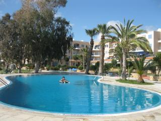 3 bdr apartment Kings Palace near the sea, Paphos