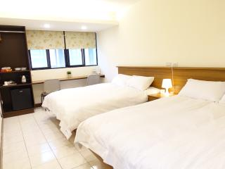 b 1min to Zhongxiao Fuxing MRT,SOGO,Newly renovated