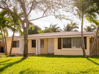Lovely House  With Pool 3 bedrooms 2 Bathrooms