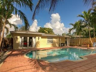 Lovely House  With Pool 3 bedrooms 2 Bathrooms, Oakland Park