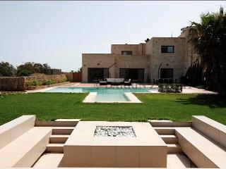 Villa Mediterranea, Marsascala