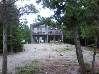 4 season vacation villa near tobermory