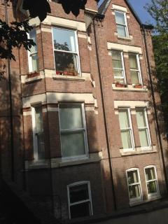 1 BED APARTMENT IN AIGBURTH, LIVERPOOL, Liverpool