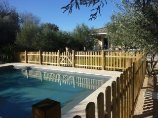 Mas with swimming pool within 4km of Uzès