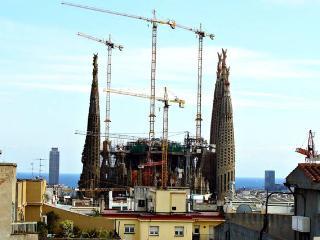 Penthouse, terrace & views to Sagrada Familia, Barcelona