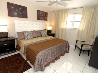 Jun 2 BR CONDO-SUITE POOL GARDEN BBQ *SPECIAL* ^4, Dania Beach
