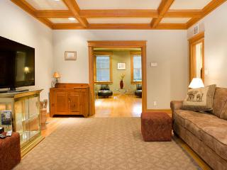 2 min walk to the Zoo, Adams Morgan, Conv Center 2 stations away, Marriott Wardman 20 min walk.