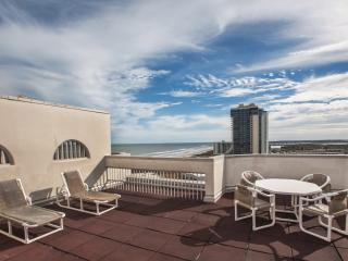 Spectacular 15th F Penthouse with Rooftop Balcony, Île de South Padre