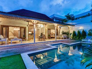 Villa Telaga Waja - Private Villa, Seminyak