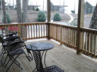8th cabin of gated community awesome view hot tub
