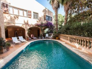 QUIET PRIVATE PLACE IN MALLORCA! GARDEN & SWIMMING POOL ONLY YOURS