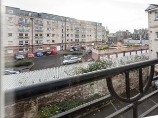 2 Bed flat, Timber Bush, Leith, Edinburgh