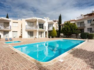 3 bdr townhouse within walking distance to the sea, Paphos