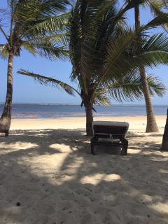 Kililini Beach Spa offers Elena House guests daily membership to the beach resort 5 minutes by car.