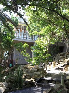 Wilderness villa garden