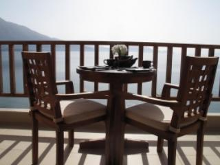 Scorpios.Luxury seafront villa with amazing views, Palairos
