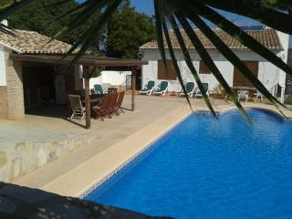 Large 5 Bed villa with private pool & games room, Pedreguer
