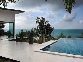 Villa Tsay, The Sea And You