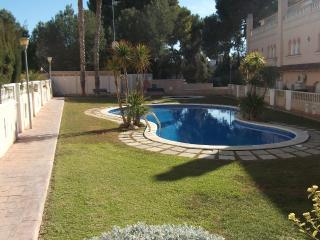 Casa con piscina a 300m de la playa 8x