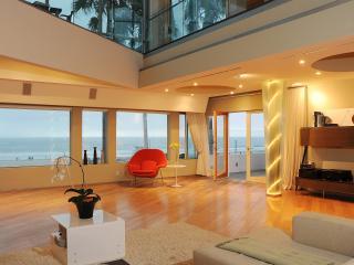 Magnificent Oceanfront apartment, Miami Beach