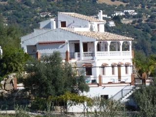 Villa to rent Spain with private pool and wifi, Periana
