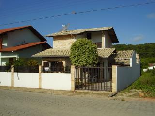 Ótima Casa em Bombinhas(Baia de Zimbros)