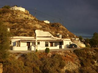 Beautifully restored cave house in Castillejar
